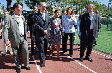 Ministro brasileiro ironiza Chelsea para defender permanência de Neymar no Brasil