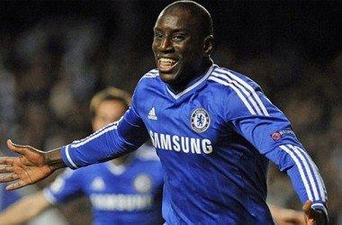 Mourinho quer a permanência de Demba Ba