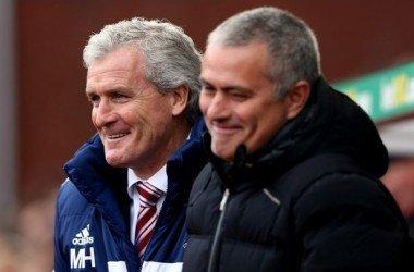 Mark Hughes acredita que o Chelsea pode vencer todos os títulos