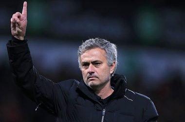 """Em entrevista coletiva, Mourinho releva derrota e afirma: """"Isso pode acontecer quando se é campeão tão cedo"""""""